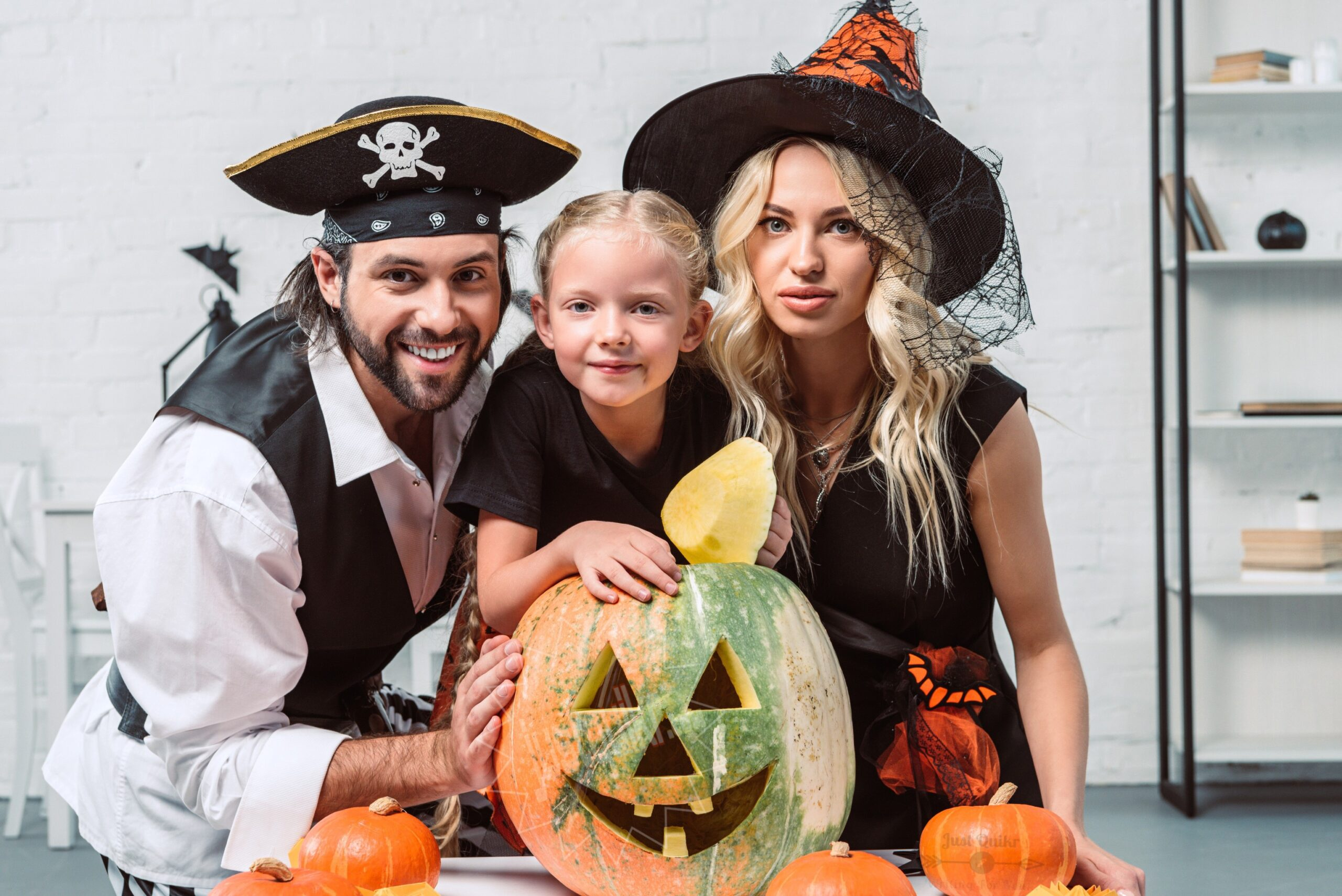Halloween Day Dress Ideas for Families